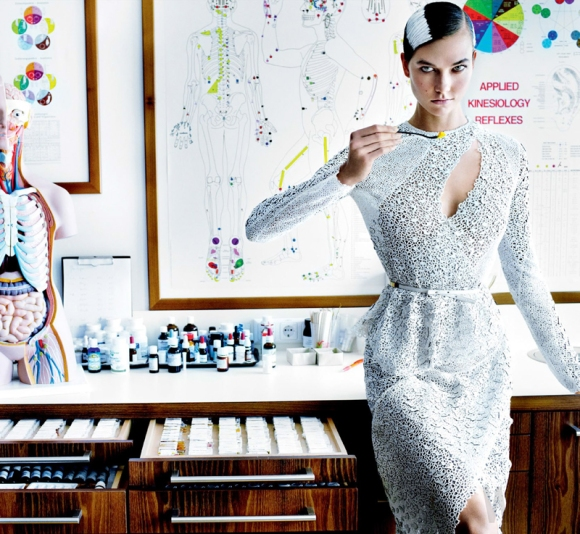'Destination Detox' Karlie Kloss_by_Mario Testino_US Vogue_July 2013_03