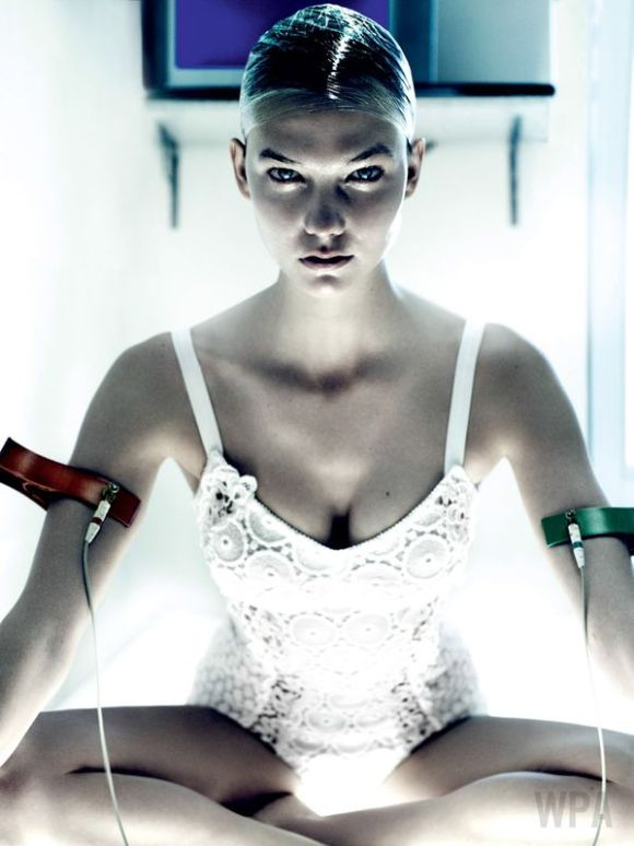 'Destination Detox' Karlie Kloss_by_Mario Testino_US Vogue_July 2013_09