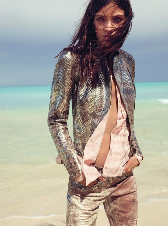 Beach Party Marikka Juhler By Regan Cameron For Uk Harper's Bazaar April 2014_03